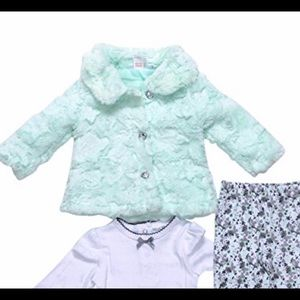 🍀3 for $10🍀Mini Muffin coat with heart buttons